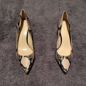 SALE! Gently Used Banana Republic Snakeskin Heels